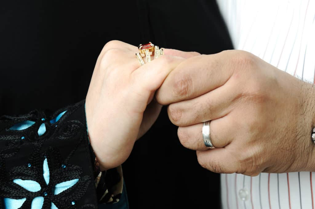 traditions of exchanging wedding rings