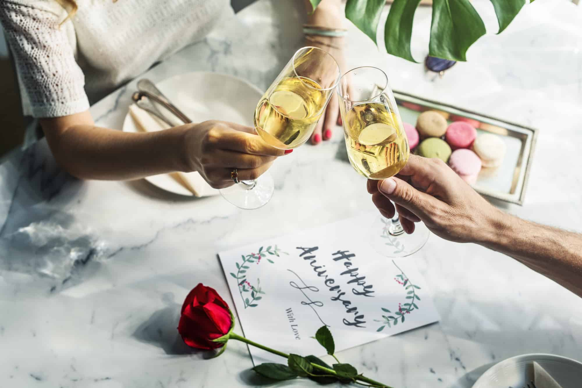 Anniversary give girlfriend for month to your what 2 84 Romantic