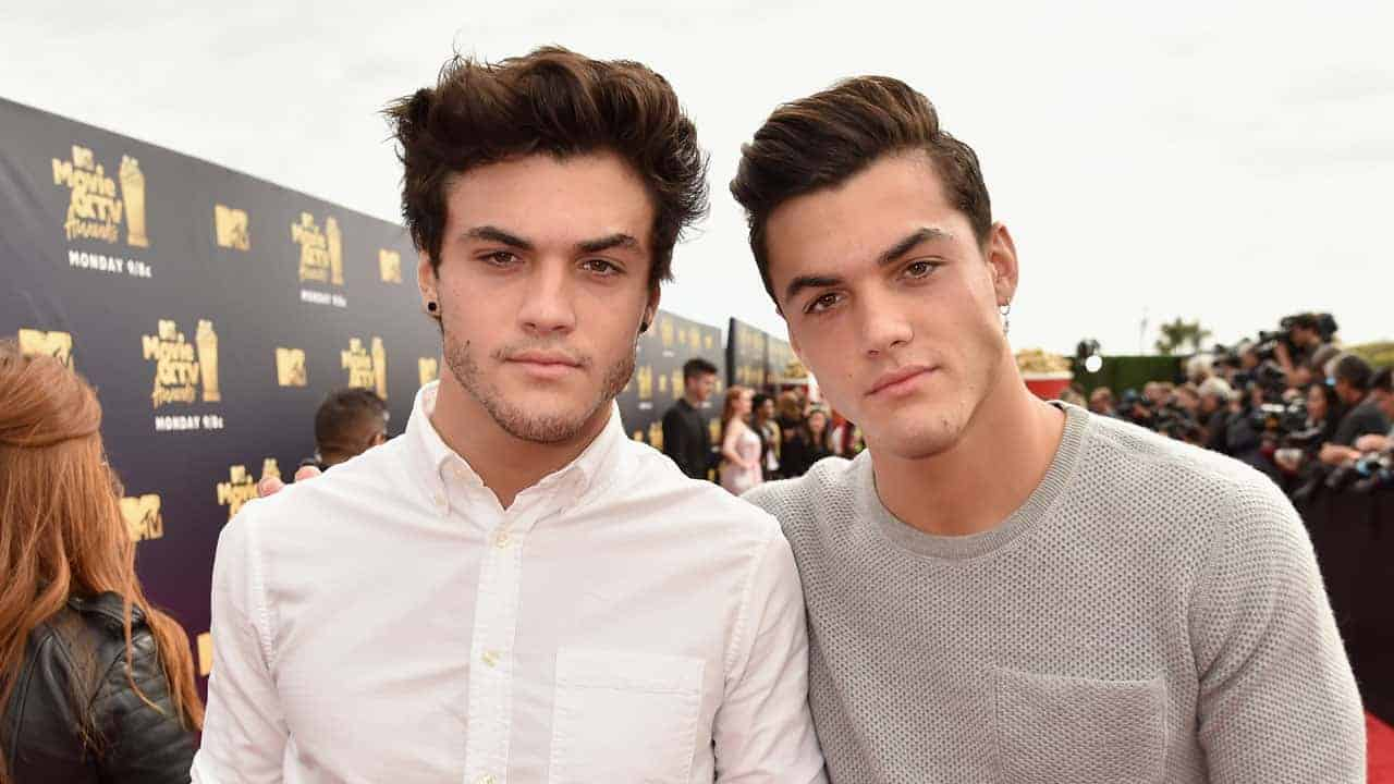 This Is How to Get The Dolan Twins to Notice You - LoveDevani com