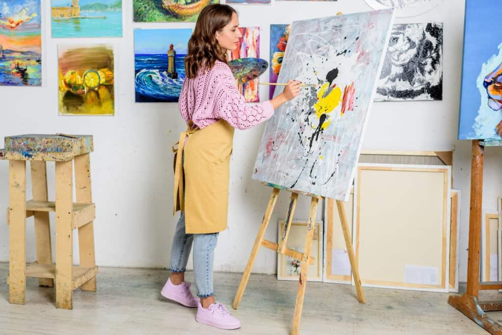 show interest in art
