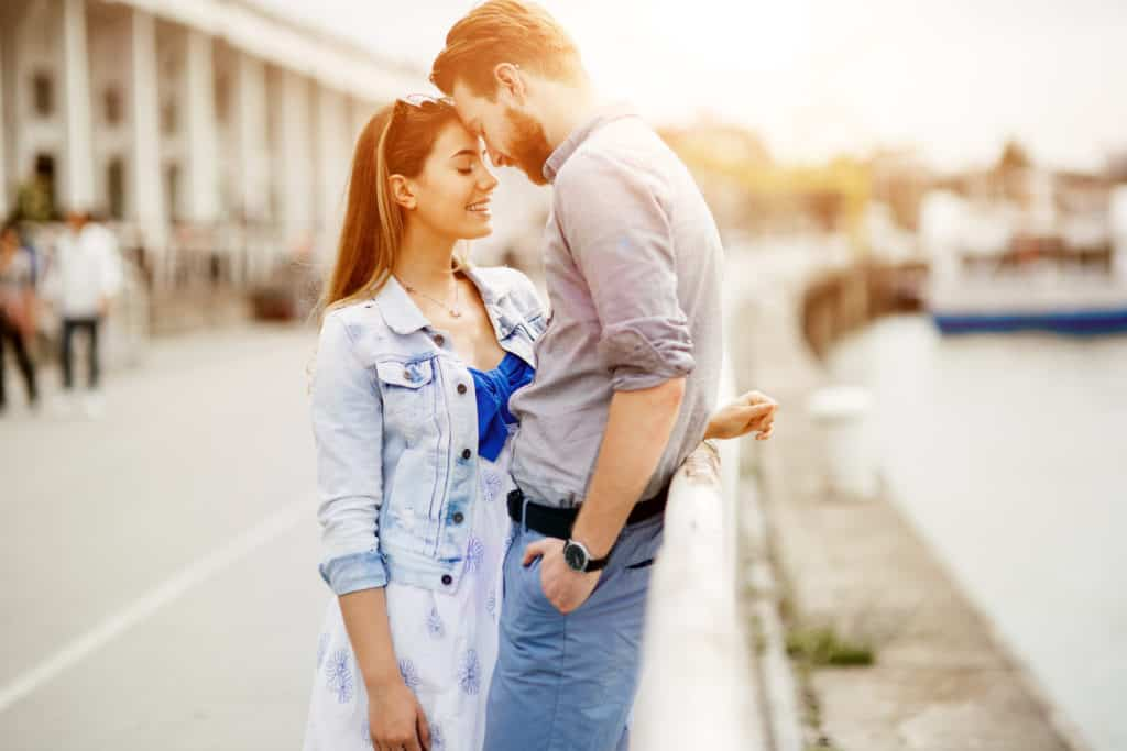 signs of an infatuated or falling deeply in love aquarius man
