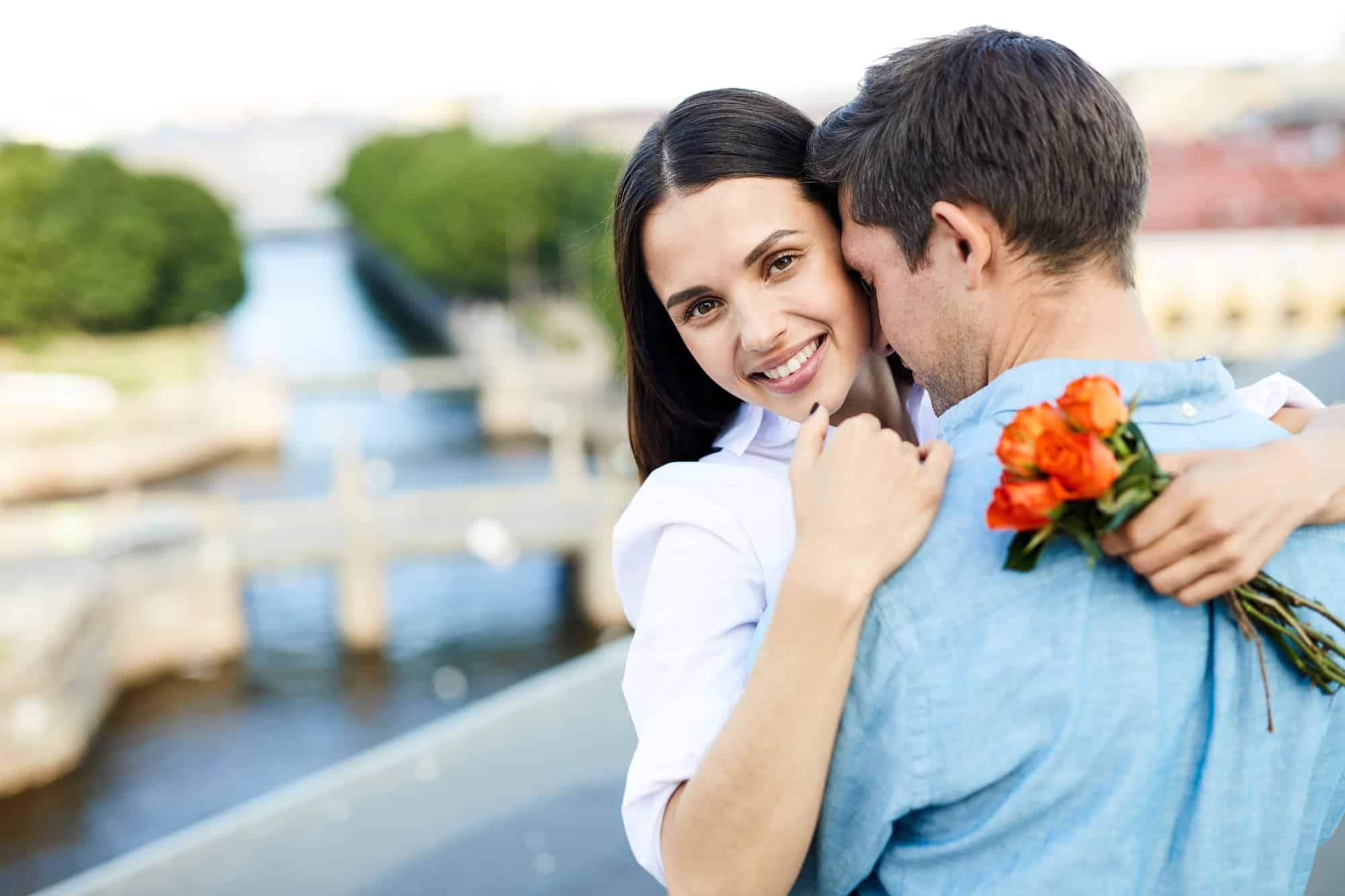 Simple Yet Mysterious Ways To Attract Aquarius Man